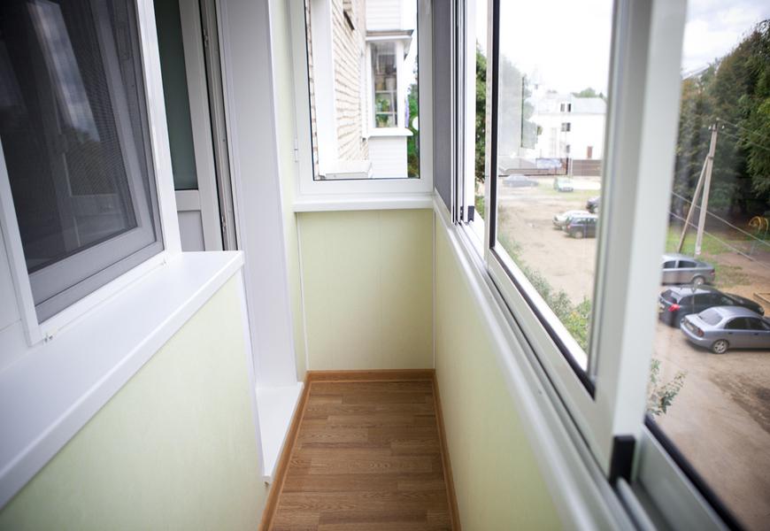 Холодное остекление балкона, система Provedal алюминиевая